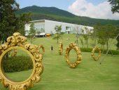 雄大な自然景観とアーティストたちがコラボした大規模彫刻公園の計画